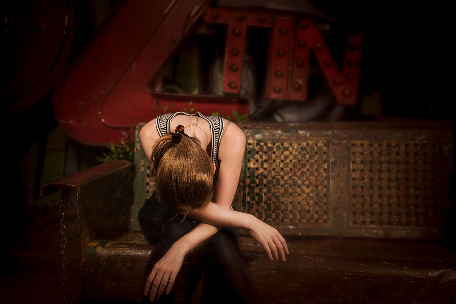 woman dispair